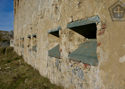 fort de Colle Alto - Casernement embrasures