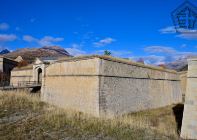 Fort des Trois-Têtes - demi-lune et et pont levis