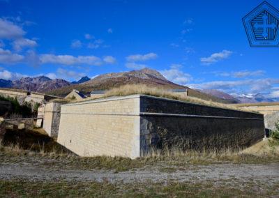 Fort des Trois-Têtes - demi-lune devant porte