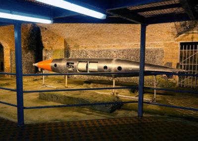 2016.10.17 -HK - Shau Kei Wan - Fort Lei Yue Mun - Caverne de la batterie lance-torpille de type Brennan(2).JPG